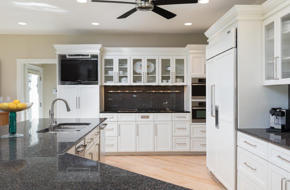 Kitchen 6 cabniets.jpg