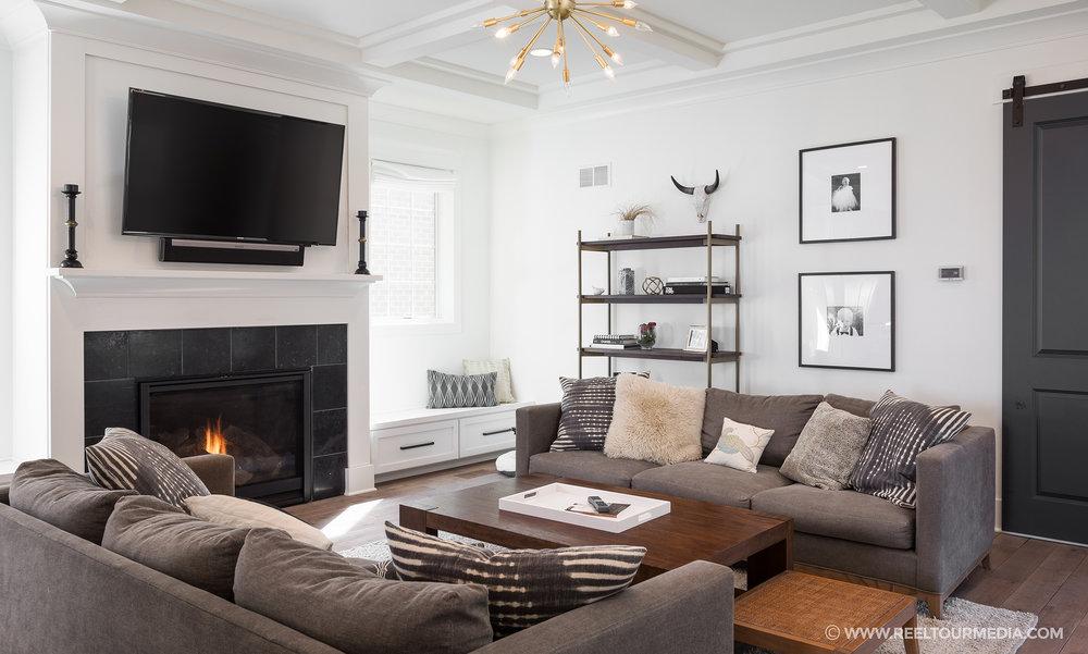 Living Room 709.jpg