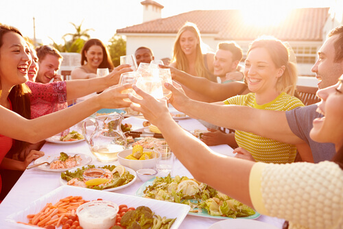 young-people-eating-meal-outdoors.jpg