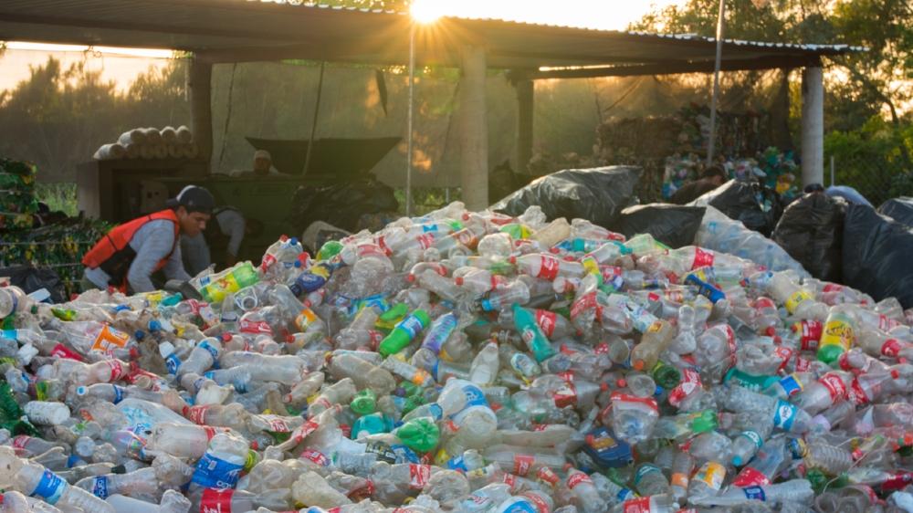 2015_12_22_Plastico_Day2_RecyclingCenter_GH4_STILLS_0004.jpg