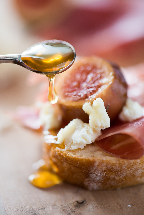 I ate this and shared with my wife. Figs, goat cheese, and prosciutto.
