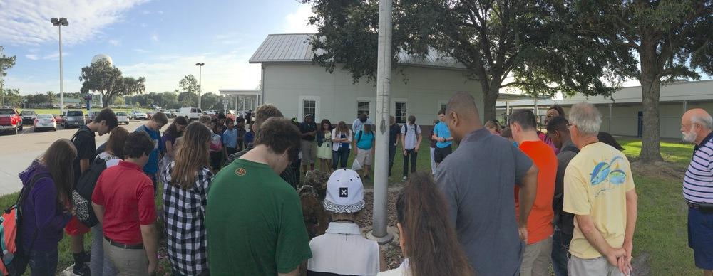 Prayer-at-School-Flagpole