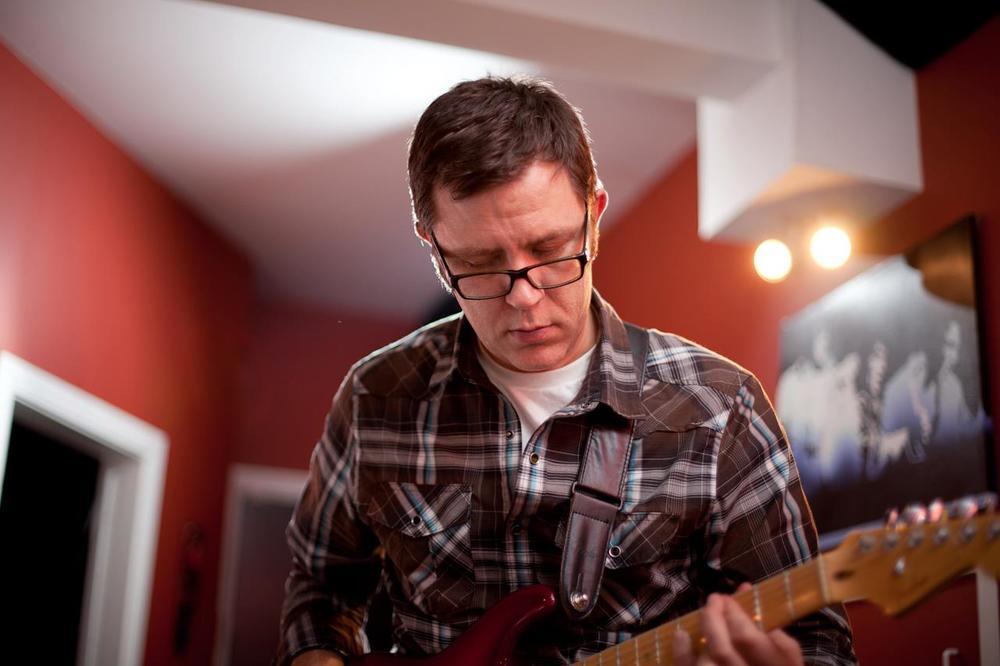 Stuart Narduzzo -- Lead Guitar/Vocals