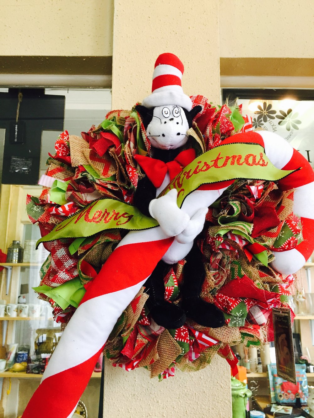 "Merry Christmas Wreath ""Cat in the Hat"""
