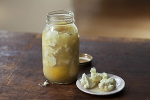 Pickled Cauliflower with Lemon