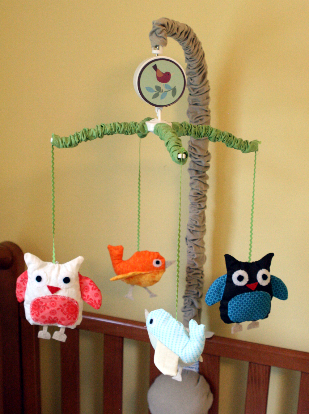 Nursery_Owl_Crib_Mobile.png