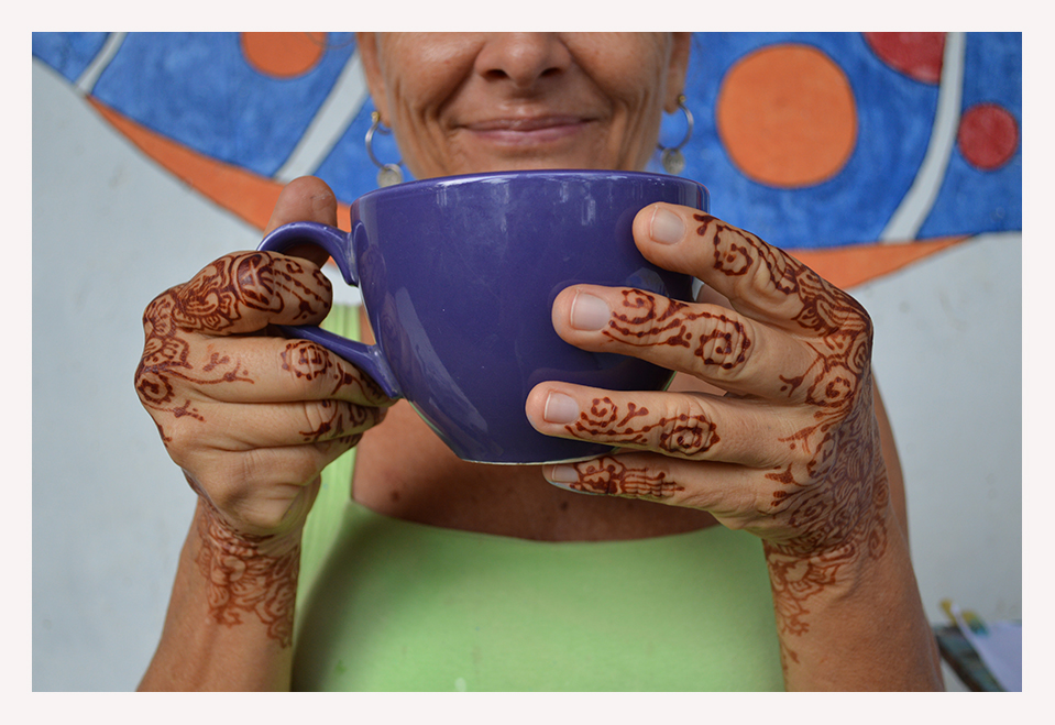 her tea cups matched her art