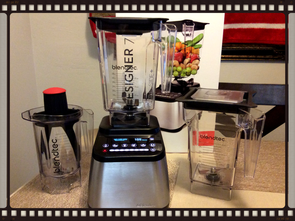 Blendtec Designer 725 with Wildside + Jar and optional 4-sided Jar and Twister Jar