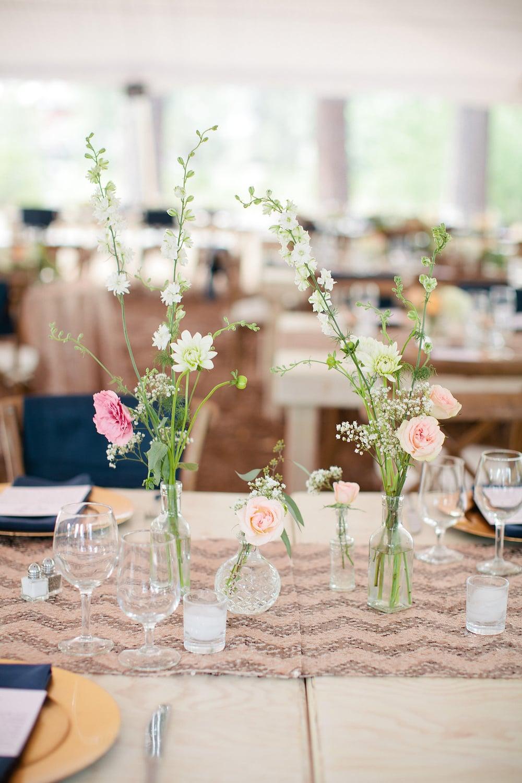 Floral | Jiosia Designs   Linen | LaTavola Linen   Photo |  Tara Hobgood Photography