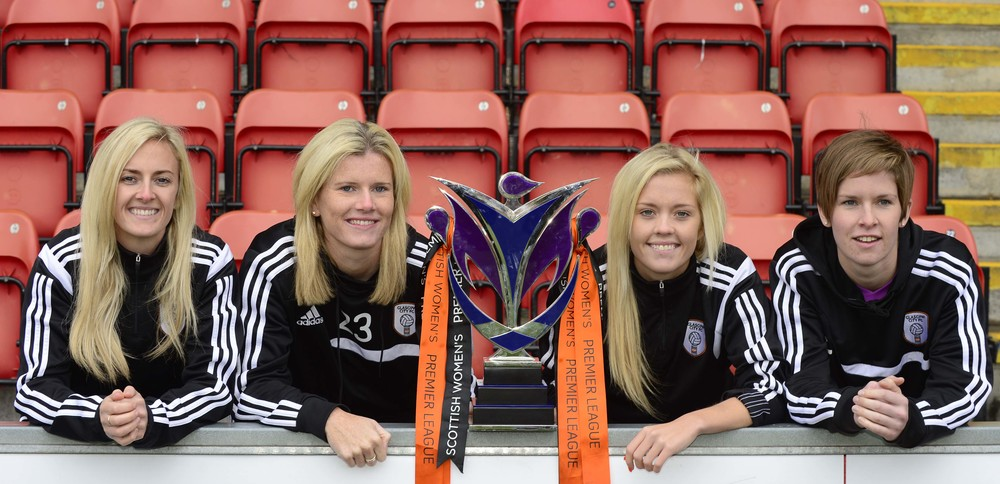 Emma Black, Julie Nelson, Denise O'Sullivan, Niki Deiter with SWPL title. Image by Lorraine Hill