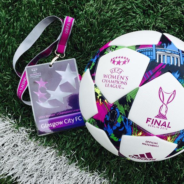 Official UEFA Women's Champions League Ball #GLAPSG