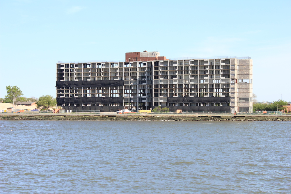 (Pre-demolition) Building on Governors Island