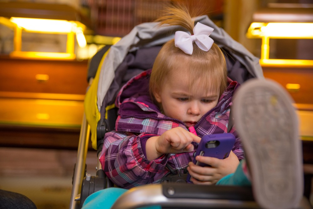 toddler iphone.jpg