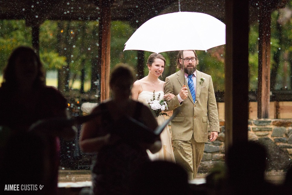 artistic Baltimore wedding photography rainy wedding
