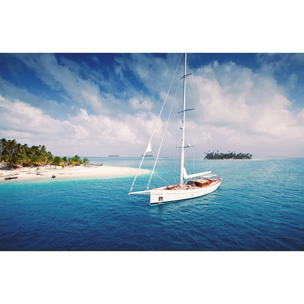 Where in the world would you take your yacht.. The empty beaches of Indonesia, the Alaskan glaciers, or the the chic beaches of Saint Tropez? Tell us your vision of the ideal location! S/Y Carl Linne Builder: Holland Jachtbouw Year: 2003 The yacht is named in honour of the 18th Century Swedish biologist, zoologist and physician Carl Linnaeus, known as a father of modern ecology. His studies took himself and his students on voyages of discovery around the globe. Photograph courtesy of Superyacht Media