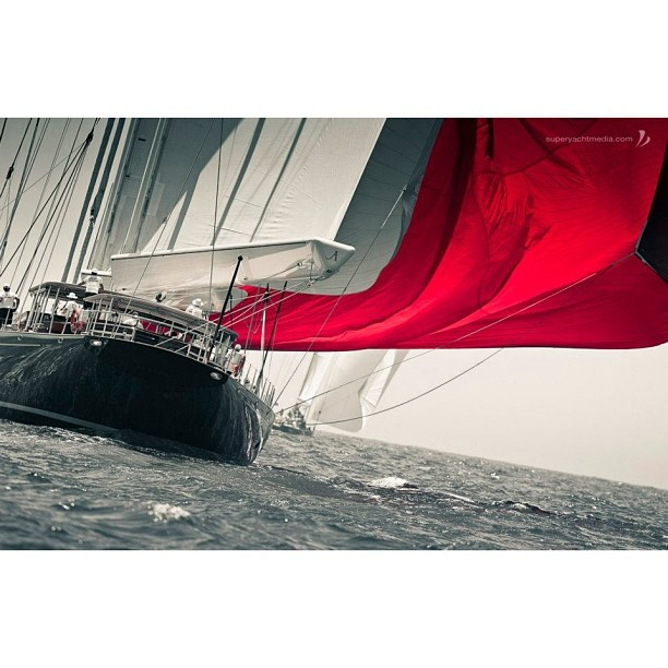 Capturing the magic of sailing. This one is for  @theyachtguy and his special Sailing Saturday!    #superyacht#megayaht#yacht#boat#travel#lifestyle#luxury#build#yachtcrew#theyachtcollective#wally#monaco#wally118#innovation#industrialdesign#architecture#sail#sailyacht#regatta#magical (at Chelsea)