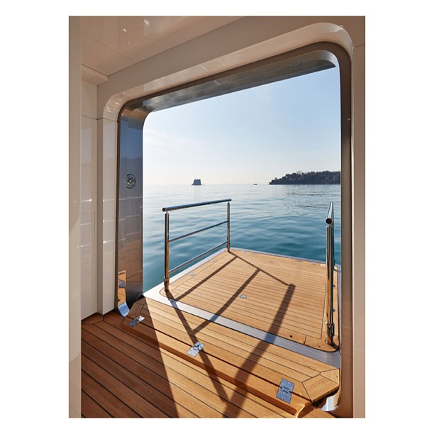 … To wake up a take a morning swim off Stella Maris. Designer: Espon Oeino Builder:Viarregio Superyachts