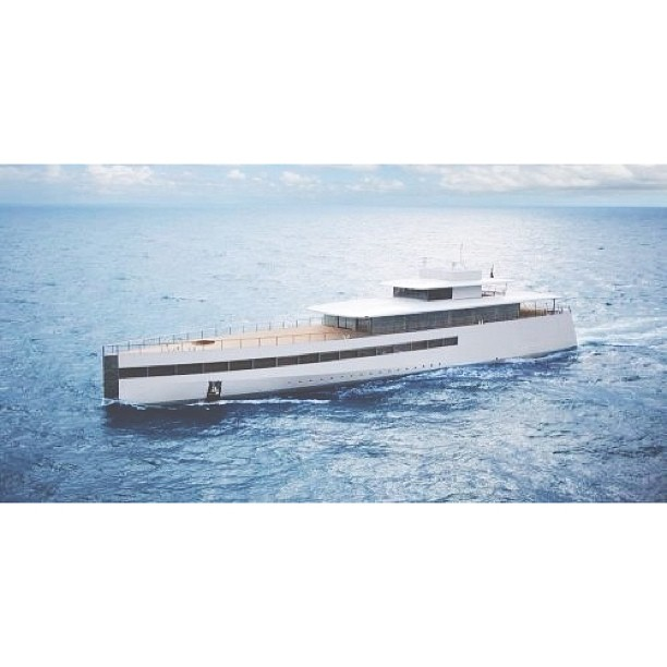 Venus perfectly captures the aesthetic vision of Steve Jobs company, Apple.  Owner: The Late Steve Jobs  Designer: Philippe Starck  Builder: Feadship