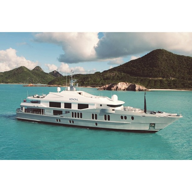 M/Y Idol  Designer: Sam Sorgiovanni  Builder: Austal  Although Idol is not the best example for innovative exterior styling she is has been design to create unusually large volumes of space. I don't doubt Mr. Simon Cowell is happy with it.
