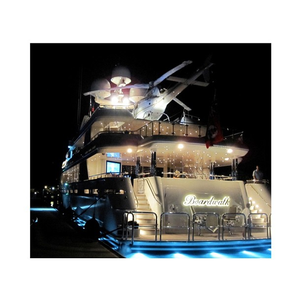 The light show on M/Y Boardwalk. Built by Wesport it's almost too similar to the classic italian builds like M/Y Moneikos from Codecasa. helicopter#exotic#yacht#design#yachtclub#yachts#yachtdesign#luxuryyacht#luxury#yachtie#yachtcrew#superyacht#megayacht#sailing#boat#blue#yachtculture#wealth#aesthetic#proportion#contemporary#theyachtcollective#sealife#charter#boardwalk#westport