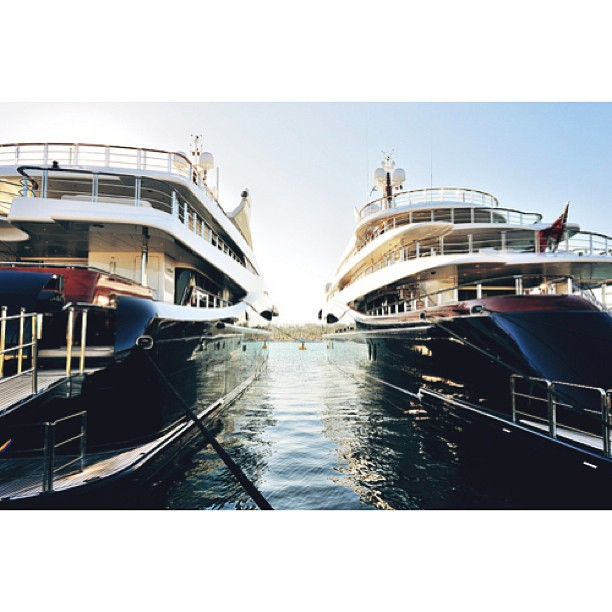M/Y Anastasia and Nirvana berthed next to each other. Both Oceanco builds have such soft lines compared to the ridged edges of Alfa Nero and Sunrays. Builder: Oceanco #yacht#minimalist#beautiful#exotic#design#yachts#luxury#yachtdesign#luxuryyacht#yachtcrew#superyacht#megayacht#boat#yachtculture#aesthetic#contemporary#proportion#yachtie#wealth#theyachtcollective#modern#blue#sunrays#oceanco#lenardnuvolari#anastasia#nirvana via#tumblr
