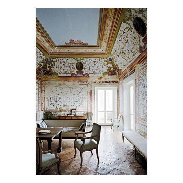 Cy Twombly's Gaeta villa shot by @simonpwatson  #interior#italy#cytwombly#artist