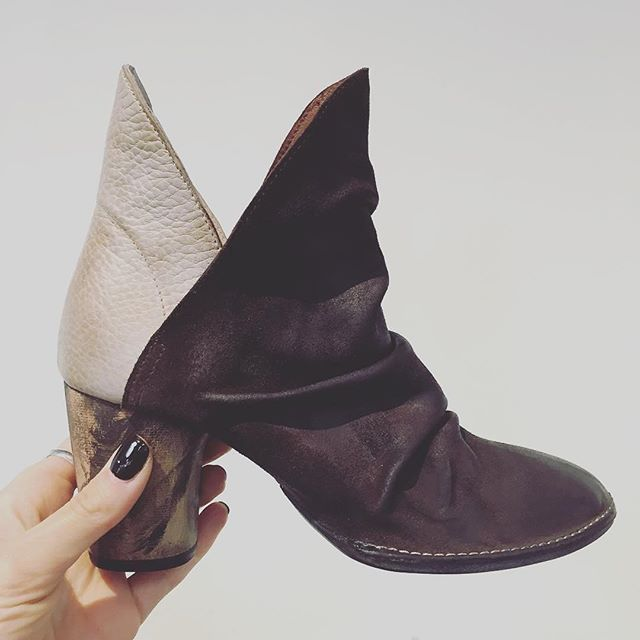 #Repost @mfredric ・・・ AMAZING @freepeople booties in our @davidsshoes locations 😁 . . . . #freepeople #freepeopleshoes #booties #leather #newarrivals #davidsshoes #humpday #shoes #womensfashion #boutique #shoplocal #smallbusiness #mfredric #calabasas #westlakevillage #woodlandhills #smmqm