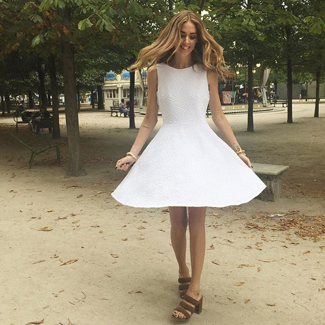 #Repost @chiaraferragni ・・・ Tuileries in @calvinklein dress #TheBlondeSaladGoesToParis #TheBlondeSaladGoesToCoutureWeek #TheBlondeSaladWearsCalvin #kbxmatisse #smmqm