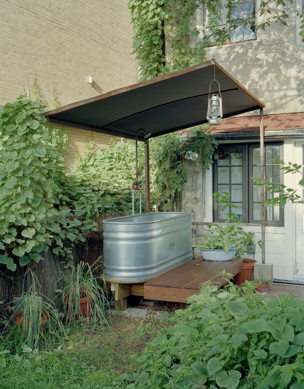 outdoor bathtub small.jpg