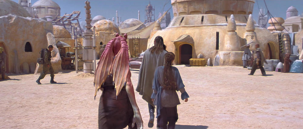 A screen capture from STAR WARS - EPISODE I - THE PHANTOM MENACE © Lucasfilm, Ltd.