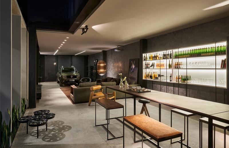 Os bancos, bancada e bar | Foto: Jomar Bragança
