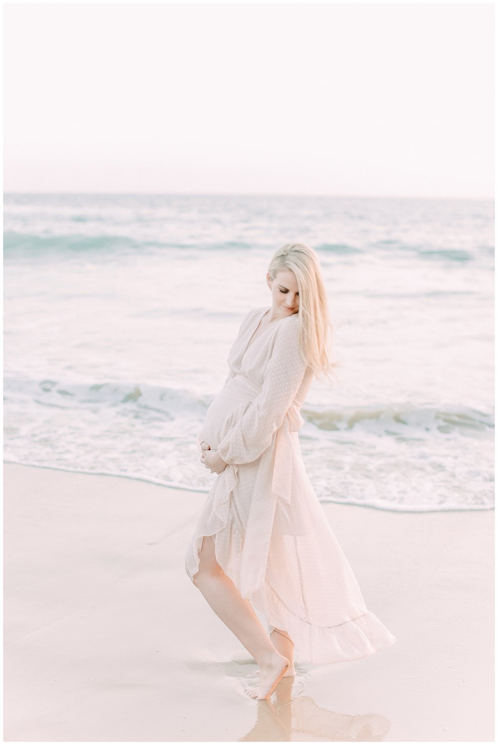 Little_Corona_Beach_Maternity_Session_Orange_county_family_photographer_cori_kleckner_photography_laguna_beach_family_session_0726.jpg