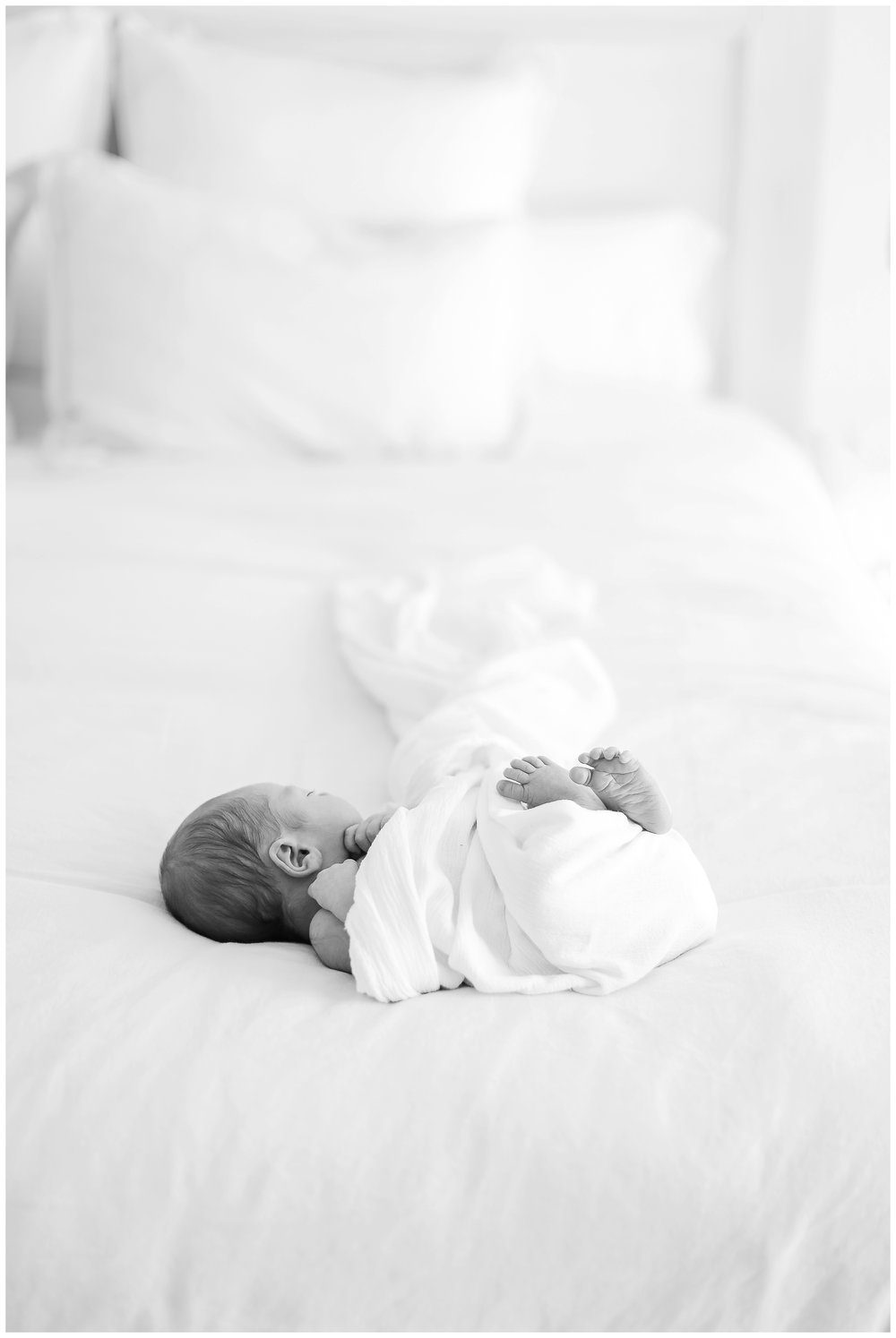 In-home-newborn-Session_Orange_county_newborn_photographer_cori_kleckner_photography_laguna_beach_family_session_0764.jpg