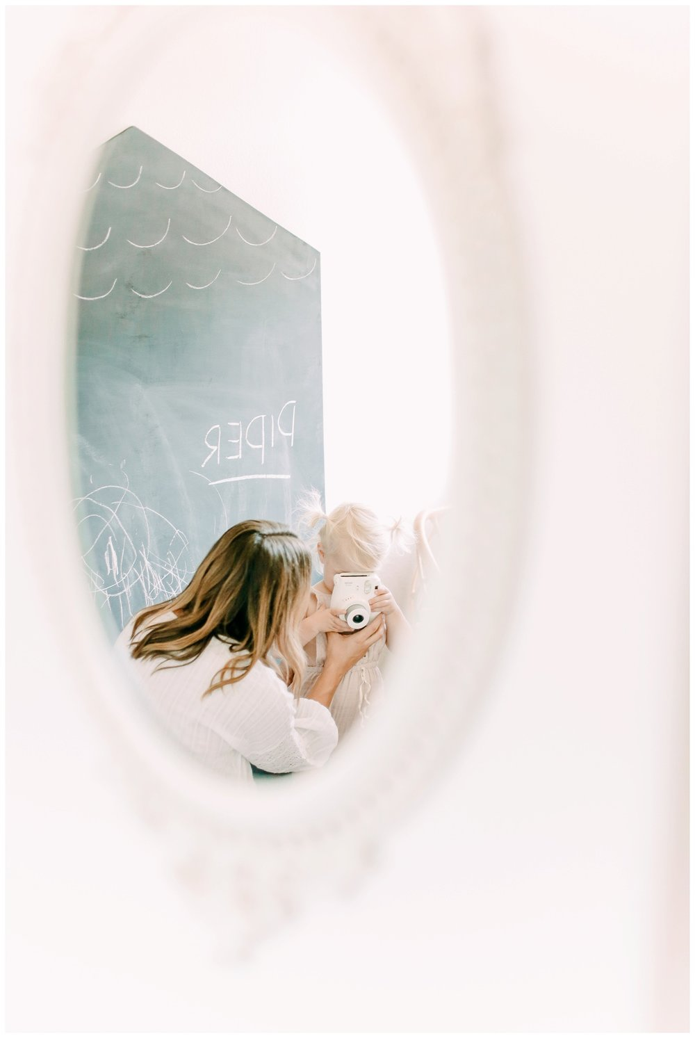 Newport_Beach_Lifestyle_in-Home_Photographer_Newport_Beach_In-Home_Photography_Orange_County_Photographer_Cori_Kleckner_Photography_Orange_County_in-home_Photography_Kristin_Dinsmore_Family_session_1931.jpg