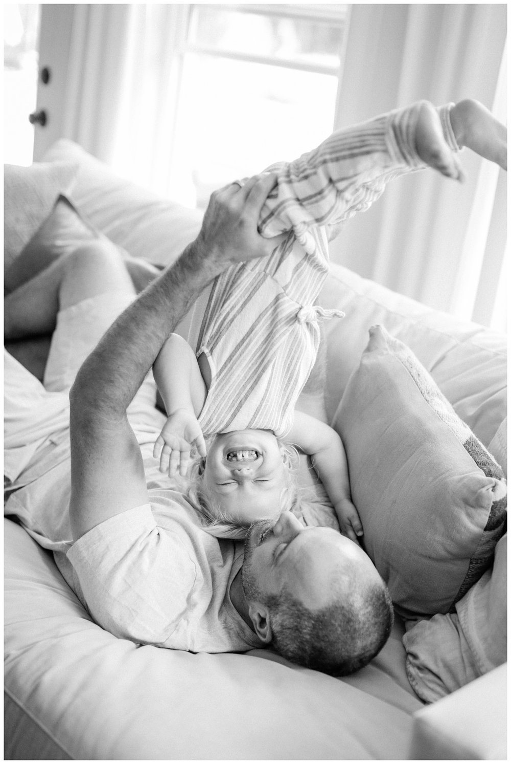 Newport_Beach_Lifestyle_in-Home_Photographer_Newport_Beach_In-Home_Photography_Orange_County_Photographer_Cori_Kleckner_Photography_Orange_County_in-home_Photography_Kristin_Dinsmore_Family_session_1954.jpg