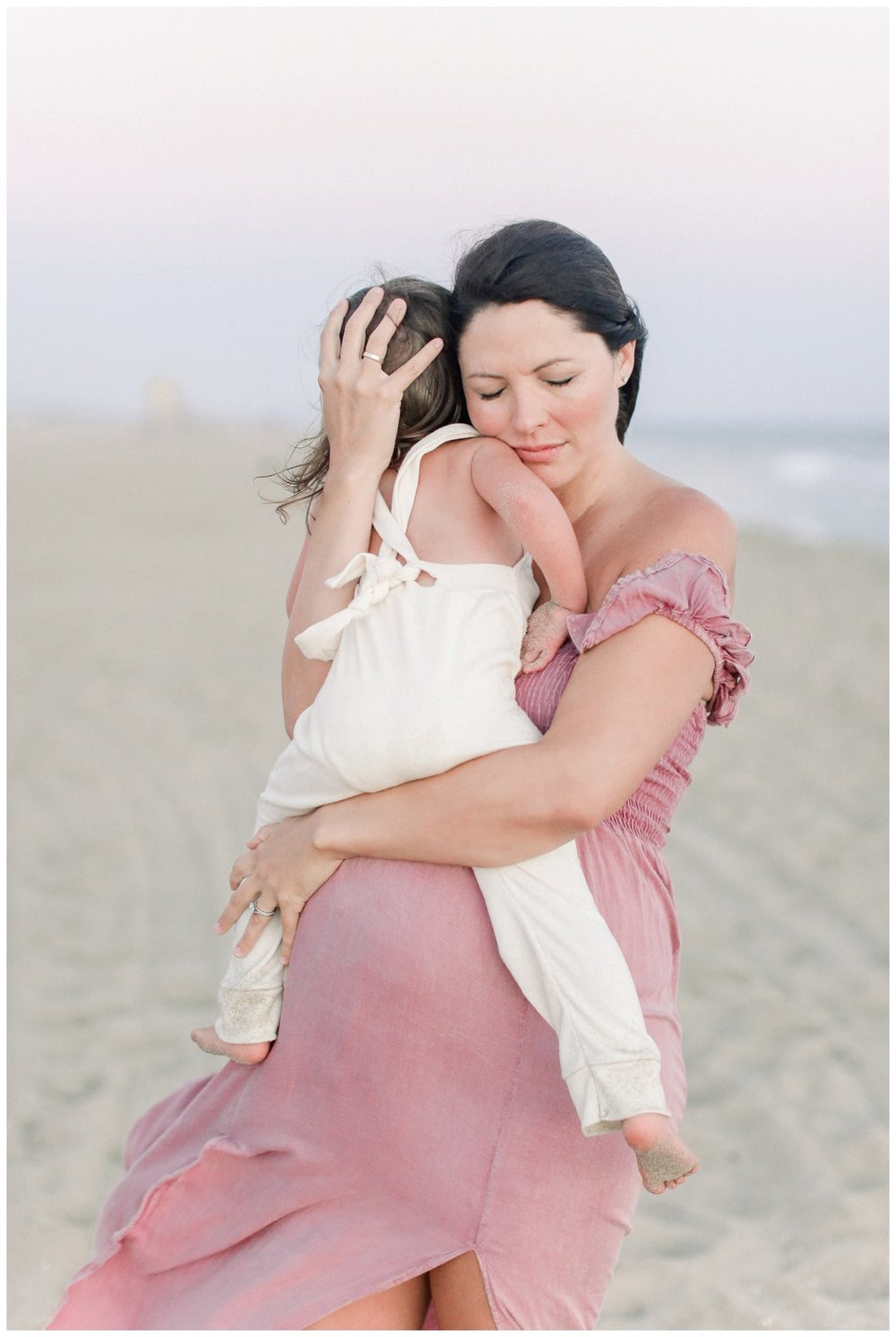 Newport_Beach_Maternity_Photographer_Newport_Beach_Newborn_Photography_Orange_County_Newborn_Photographer_Cori_Kleckner_Photography_Orange_County_in-home_Photography__2146.jpg