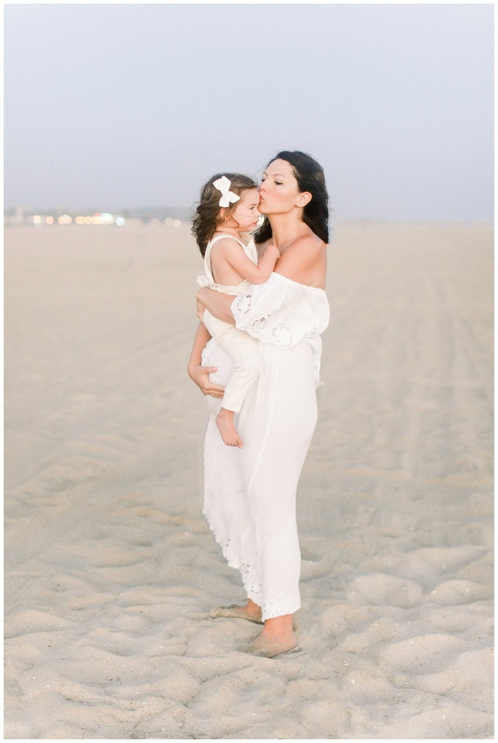 Newport_Beach_Maternity_Photographer_Newport_Beach_Newborn_Photography_Orange_County_Newborn_Photographer_Cori_Kleckner_Photography_Orange_County_in-home_Photography__2149.jpg