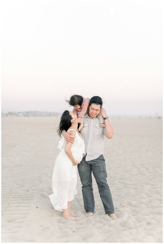 Newport_Beach_Maternity_Photographer_Newport_Beach_Newborn_Photography_Orange_County_Newborn_Photographer_Cori_Kleckner_Photography_Orange_County_in-home_Photography__2190.jpg