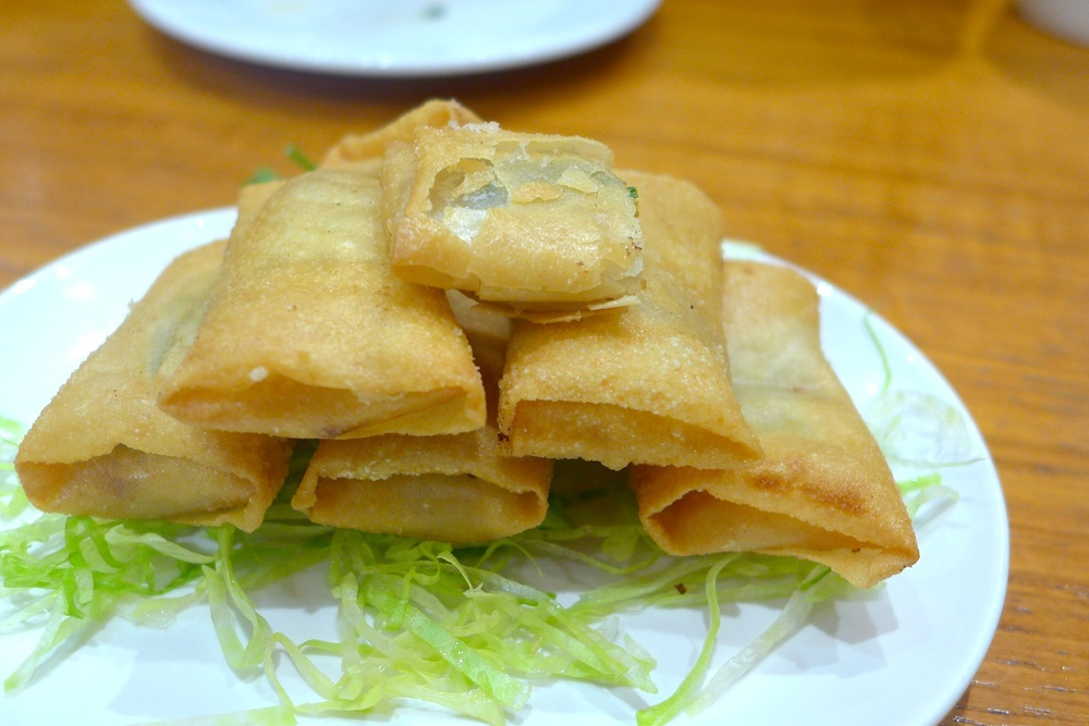 Sliced Duck in Crispy Spring Onion Pasty (S$ 8.00)