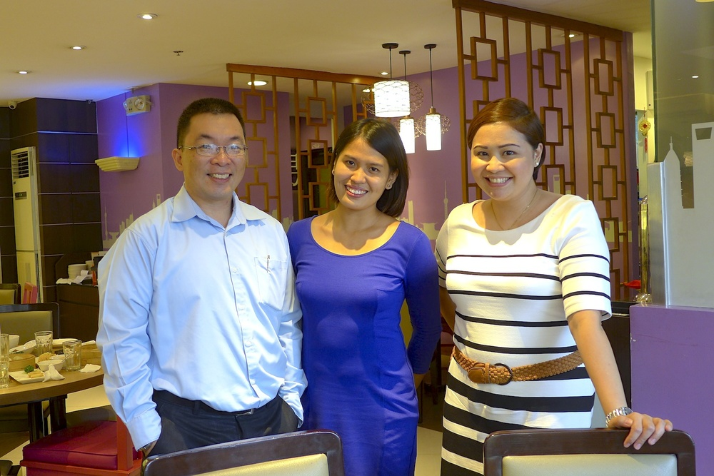 (From L-R) Kenneth Yu, Flatter My Senses (me) and Gela Isidro full and happy as can be deduced from our mega-watt smiles. Thank you for inviting me! I had a really great time sampling all the dishes.
