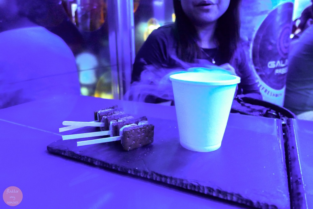 4 pieces of Smores (Php 68) accompanied by a smokey glass of Liquid Nitrogen