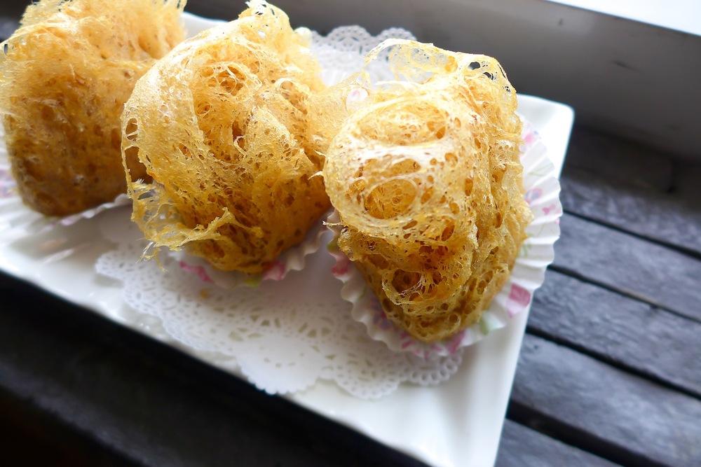 Deep-Fried Yam Dumpling with Scallop, Minced Pork & Mushroom