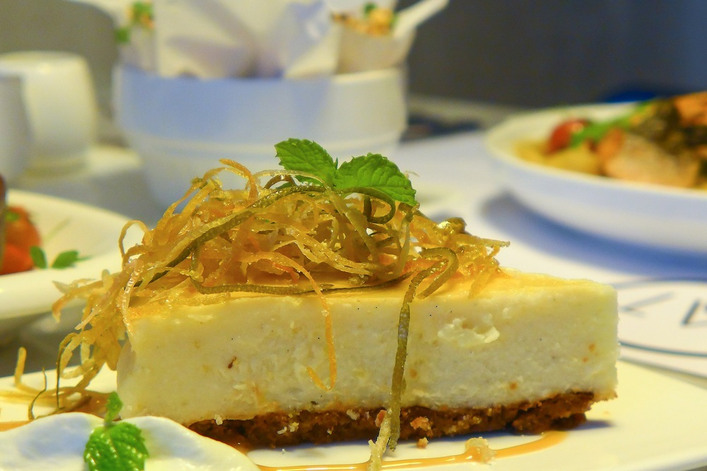 White Chocolate Cheese Cake  ( Php 360 ). They all say that good things come to an end but I do not think it applies to this restaurant. This cheese cake topped with the lemon rind was a perfect combination. (Goat's Cheese / Lemon Rind Candy / Dulce de Leche)
