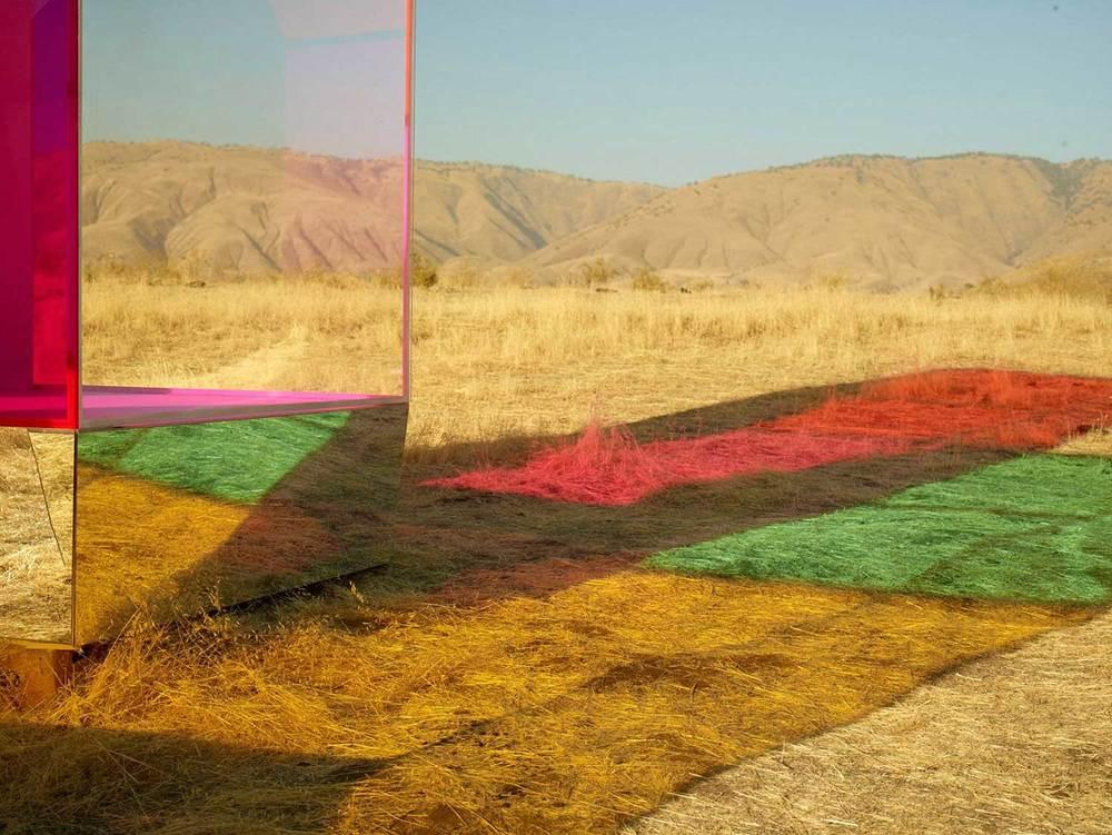 Autumn-de-Wilde-Coloured-Boxes-Yellowtrace-12.jpg