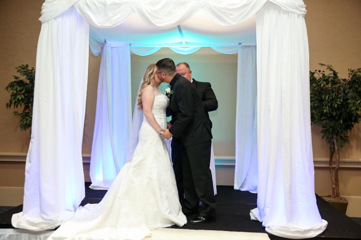 Orlando-Wedding-Photographers-Rosen-Shingle_Creek-Katie-Adam-www.livehappystudio.com-17.jpg