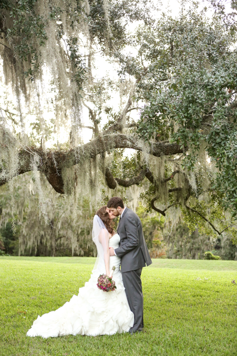 Orlando-Wedding-Photographer-Rollins-college-Lew-Gardens-19.jpg