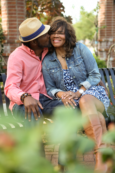 engagement-photography-session-portraits-orlando-wedding-LiveHappyStudio.com-3.jpg