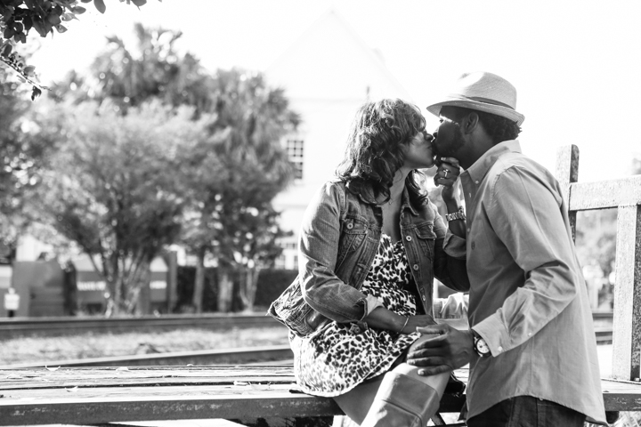 engagement-photography-session-portraits-orlando-wedding-LiveHappyStudio.com-5.jpg