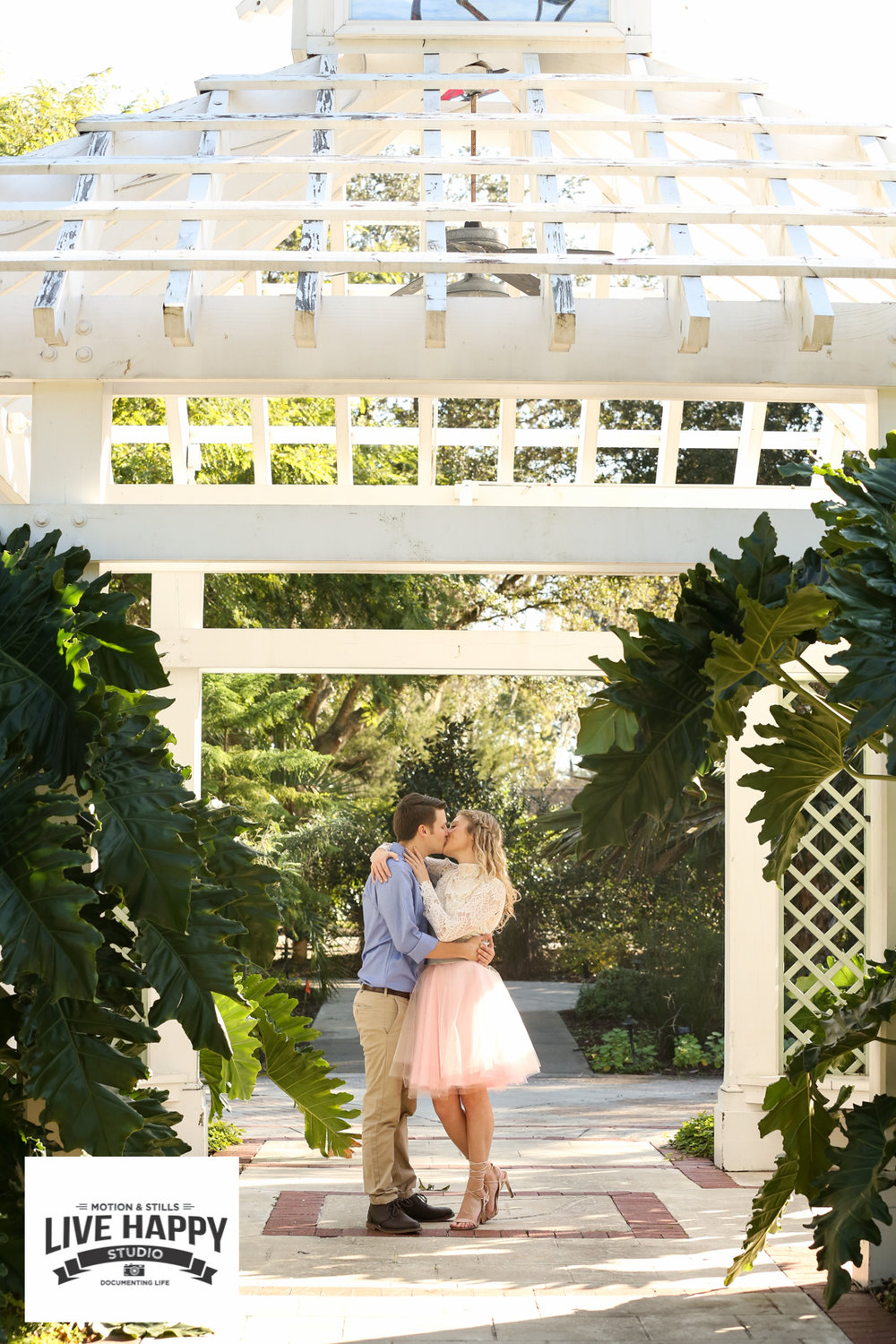best-orlando-wedding-photographer-engagement-www.livehappystudio.com-20.jpg