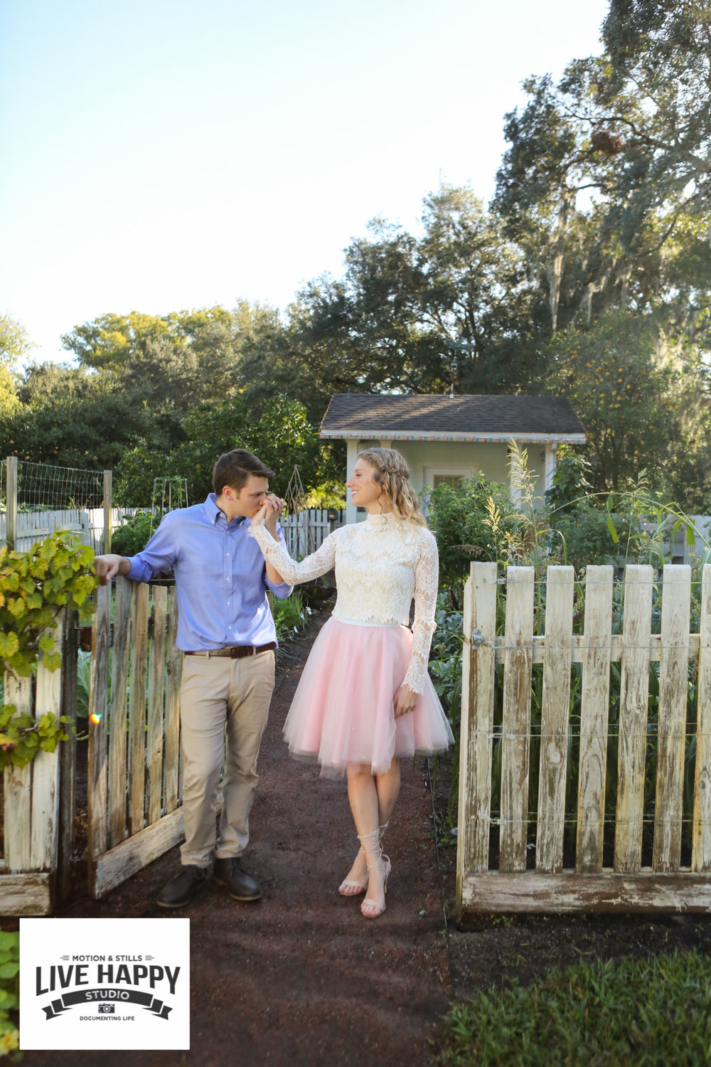 best-orlando-wedding-photographer-engagement-www.livehappystudio.com-25.jpg